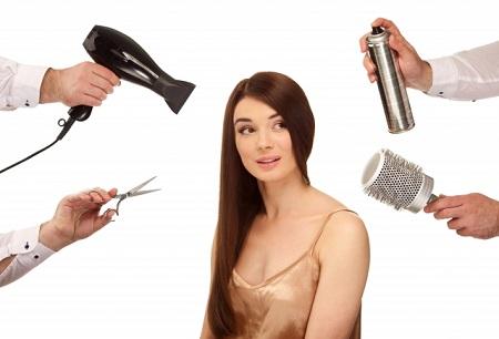 髪を整える